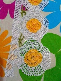 This Pin was discovered by Şeh Crochet Boarders, Crochet Motifs, Crochet Flower Patterns, Baby Knitting Patterns, Crochet Doilies, Crochet Flowers, Crochet Lace, Crochet Stitches, Lace Making