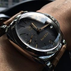 The little details of the #Panerai PAM422 by @arteray #PaneraiCentral Panerai Model List