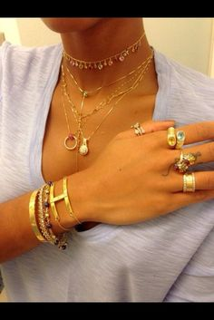 qtpwlu-l-610x610-jewels-cartier+ring-bracelet+gold+cartier+love+simple-kylie+jenner+cartier+love+ring-cartier+gold-gold+choker-heart+jewels-diamond+bracelet-necklace-lion-chain-choker-trust-bracele.jpg (407×610)