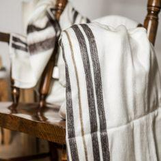 www.formstil.ch Decke Ecuador white Material: Alpaca- und Schafswolle