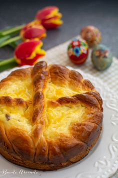 Pască cu brânză dulce și stafide - rețeta tradițională | Bucate Aromate Romanian Desserts, Pastry And Bakery, Baked Potato, Cooking Recipes, Bread, Ethnic Recipes, Food, Gastronomia, Sweets
