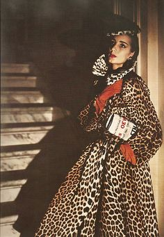 "Recently found a true vintage coat like this that looks identical, though wasn't haute couture and is faux fur.Elizabeth ""Betty"" Threatt is wearing fur coat by Traina-Norell, photo by Louise Dahl-Wolfe for Harper's Bazaar Richard Avedon, Vintage Outfits, Vintage Dresses, Vintage Vogue, Harpers Bazaar, Vintage Coat, Retro Vintage, Moda Animal Print, Animal Prints"