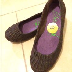 Cute Wool Flats Cute Pattern With Pin Tucked Edge