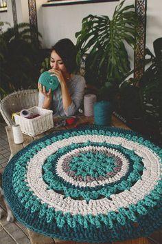 Crochet Rug Patterns T Shirt Yarn Doilies 58 Ideas Crochet Diy, Crochet Home Decor, Love Crochet, Crochet Geek, Crochet Doilies, Crochet Rugs, Crochet Rug Patterns, Crochet Mandala Pattern, Yarn Projects