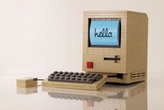 Vintage Mac is beautiful inLEGO