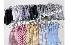 Mini gravatinhas com chaveiro diversas cores, (entrega-se aos convidados na hora do corte da gravata). Caixa com 50 unidades = 16,00 Caixa com 100 unidades = 28,00 Sem chaveiro - 14,00 a caixa com 100 unidades R$ 16,00