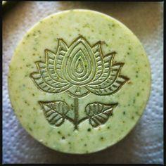 Gurke Basilikum Seife mit Seide  - handmade Soap