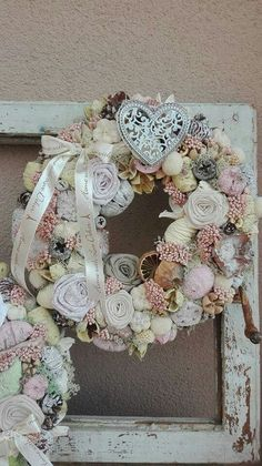 Funeral Arrangements, Flower Arrangements, Summer Wreath, Shabby Chic Decor, Door Wreaths, Decoration, Wedding Styles, Christmas Wreaths, Diy And Crafts