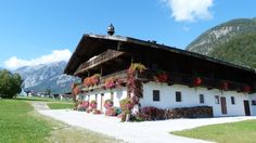 Achensee, Tirol Cabin, House Styles, Home Decor, Decoration Home, Room Decor, Cabins, Cottage, Home Interior Design, Wooden Houses