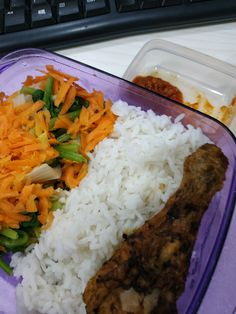 Food N, Food And Drink, Snap Food, Beverages, Drinks, Food Pictures, Carrots, Lunch Box, Menu