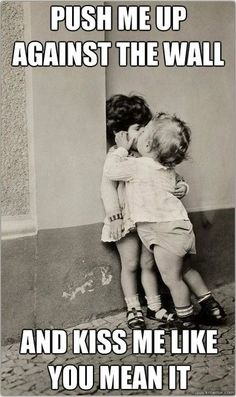 Kid Meme - Find funny kids photos to brighten your day and get a laugh! Browse our kids gifs, funny videos of kids and more! The Kiss, Kiss Me, Baby Kiss, Smooch Kiss, I Smile, Make Me Smile, Jolie Photo, Happy Kids, Vintage Photography