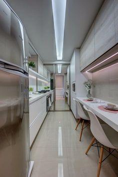 Confira a Decoração Clássica Deste Apartamento em Tons Suaves E Neutros  (De Patricia Smaniotto - homify)