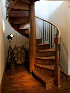 Staircase Spiral Staircase Design, Pictures, Remodel, Decor and Ideas - page 5 Curved Staircase, Staircase Design, Spiral Staircases, Stair Design, Winding Staircase, Style At Home, Loft Mezzanine, Nautical Home Decorating, Interior Decorating