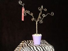 hairbow tree- perfect for jewelry.