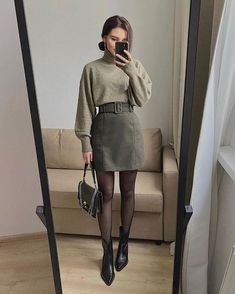 acce62695bdff5751eb44f80fae039f6 - Ricerca Google Simple Fall Outfits, Winter Fashion Outfits, Cute Casual Outfits, Stylish Outfits, Office Outfits Women, Autumn Skirt Outfit, Winter Fashion Women, Office Style Women, Classy Chic Outfits
