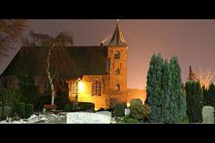 Das Bild Dreifaltigkeitskirche in Oldenburg wurde von Christian Book im Jahr 2010 in Oldenburg, Germany aufgenommen. Es entstand mit einer Canon EOS 1000D und dem Objektiv Canon EF-S 18 - 55 mm 1:3,5-5,6 IS.