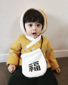 Cute Asian Babies, Korean Babies, Asian Kids, Cute Babies, Cute Baby Boy, Cute Girls, Baby Kids, Baby Pictures, Baby Photos