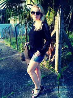 A linda Maíra do Blog Moda na Mala montou hoje um look super gostoso e cheio de detalhes usando Via Scarpa <3 <3 <3