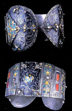 East of Morocco   Early pair of anklets ~ Khalkhal ~ marked Tlemcen   19th century   Niello and enameling with inlaid coral   8,650€ ~ Sold (Dec 2007)