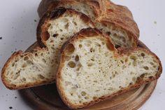 Il Pane di Matera ha un profumo differente a seconda della frutta di stagione, utilizzata nel lievito madre