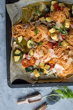 Pasta mit Ofengemüse: Schnelles Sommeressen ⋆ Knusperstübchen Pasta with oven-cooked vegetables: quick summer meal de dîner Easy Healthy Recipes, Healthy Snacks, Vegetarian Recipes, Snack Recipes, Dinner Recipes, Easy Snacks, Grilling Recipes, Easy Desserts, Quick Summer Meals
