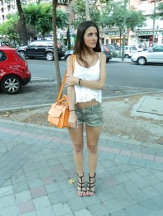 #lace #shirt #oysho #camo #shorts #zara #orange #bag #orangebag #summer #sun #spaiun #madrid #martasshowcase #black #sandals #mango