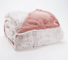 Berkshire Blanket x Luxe Faux Fur Throw with Gift Box Fluffy Blankets, Cute Blankets, Fuzzy Blanket, Pink Blanket, Faux Fur Blanket, Faux Fur Throw, Bed Blankets, Pastel Room, Pink Room