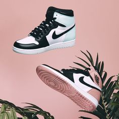 Air Jordan 1 Art Basel Pack is part of Sneakers - Jordan Shoes Girls, Girls Shoes, Shoes Women, Sneakers Mode, Sneakers Fashion, Sneakers Shoes, Jordans Sneakers, Sneakers Adidas, Adidas Nmd