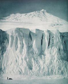 Herbert Ponting, The ramparts of Mount Erebus, 1911.