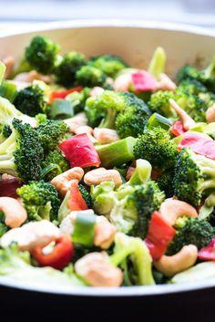 Diner: Kip broccoli met cashew noten en paprika