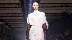 Givenchy | Fall Winter 2020/2021 | Full Show - YouTube Fashion Art, High Fashion, Fashion Show, Full Show, Fashion Videos, Givenchy, Fall Winter, Elegant, Youtube