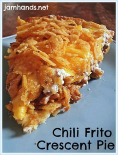 ground beef 1 can chili use a deep dish pie plate. If you are using a regular pie plate you may want to reduce it to half or can of chili) 1 can crescent rolls 1 cup sour cream 1 cup shredded cheddar cheese 2 cups crushed corn chips Meat Recipes, Mexican Food Recipes, Cooking Recipes, Recipies, Casserole Recipes, Hamburger Recipes, Leftover Chili Recipes, Doritos Casserole, Hamburger Casserole