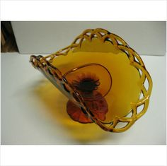 Vintage Indiana Glass Amber 13 ½ Banana Fruit Stand Made in USA on eBid United States Vintage Dishes, Vintage Glassware, Banana Fruit, Fruit Stands, Ambre, Indiana Glass, Fenton Glass, Carnival Glass, Amber Glass