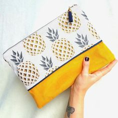 Large Hand Made clutch, patterns graphic pineapple fabric, silver zip, blue tassel Coin Couture, Couture Sewing, Pineapple Fabric, Fabric Stamping, Fun Diy Crafts, Creation Couture, Jacquard Fabric, Zipper Bags, Mode Style