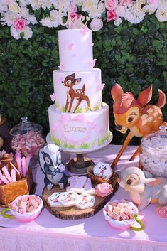 Loving the birthday cake at this Bambi Birthday Party! See more party ideas … Ich liebe die Geburtstagstorte auf dieser Bambi Birthday Party! 1st Birthday Party For Girls, Girl Birthday Themes, Disney Birthday, Baby Party, Birthday Party Decorations, Birthday Ideas, Beyonce Birthday, Belated Birthday, Funny Birthday
