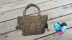 Colourful Wayuu Bags to Crochet: A guide to making tapestry crochet bags Colourful, functional and fun – these striking crocheted Wayuu mochila bags have the best combina Sac Granny Square, Lidia Crochet Tricot, Tapestry Crochet, Bag Making, Straw Bag, Crochet Bags, Handbags, Purses, Knitting