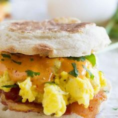 If you are a fan of Eggs Benedict, you will love this easy breakfast sandwich! This Bacon and Eggs Benedict Sandwich with Chipotle Hollandaise will make your taste buds happy. Savory Breakfast, Breakfast Time, Breakfast Dishes, Best Breakfast, Breakfast Recipes, Breakfast Sandwiches, Mexican Breakfast, Breakfast Pizza, Breakfast Ideas
