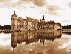 Chateau de Chantilly-Versaille has nothing on this place, an excellent visit!