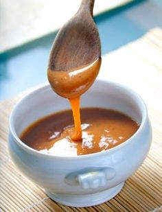 Gotta love the thought of adding Biscoff to caramel! Biscoff Caramel via Cookies Cookies Salted Caramel Sauce, Food Flavoring, The Chew Recipes, Cooking Recipes, Payday Candy, Toffee Dip, Cooking Tips, Cookies, Pie