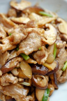 Check it out pork and mushroom stir fry (reduce carbs by using xanthan gum instead of cornstarch) The post Pork and Mushroom Stir Fry appeared first on Recipes . Check it out pork and mushroom stir fry (reduce carbs by using xanthan gum inste. Healthy Diet Recipes, Meat Recipes, Vegetarian Recipes, Chicken Recipes, Rabbit Recipes, Recipies, Delicious Recipes, Tasty Recipe, Stir Fry Recipes