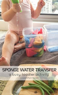Sponge Water Transfer! Dinner prep made easy with this busy toddler activity! http://www.acraftyliving.com