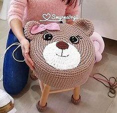 Одноклассники Crochet Baby Poncho, Crochet Pouf, Chunky Crochet, Diy Crochet, Crochet Crafts, Baby Knitting, Crochet Projects, Crochet Decoration, Crochet Home Decor
