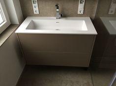 badm bel unterschrank mit soft touch schubladen und solid surface waschbecken nach ma gefertigt. Black Bedroom Furniture Sets. Home Design Ideas