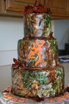 Hunters Birthday Cake The customer ordered this fondant covered cake for her husbands birthday. He is a hunter Country Birthday Cakes, Hunting Birthday Cakes, 20 Birthday Cake, 16th Birthday, Hunting Cakes, Birthday Ideas, Camouflage Cake, Camo Cakes, Camo Wedding
