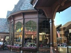 The Pancake Pantry in Gatlinburg is Tennessee's oldest pancake house and has v. - The Pancake Pantry in Gatlinburg is Tennessee's oldest pancake house and has visitors coming back - Downtown Gatlinburg Hotels, Gatlinburg Cabin Rentals, Gatlinburg Tn, Nashville Trip, Good Breakfast Places, Breakfast Restaurants, Great Restaurants, Sidney James Mountain Lodge, Places To Eat