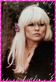 Debbie Harry - Blondie was a badass bitch Blondie Debbie Harry, Nostalgia, New Wave, Divas, Star Wars, The Victim, Female Singers, Punk Rock, Rock N Roll