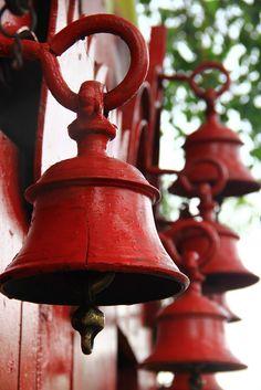 Chandni+Chowk-+temple+bells.JPG (1067×1600)
