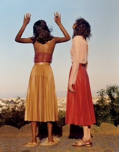 House on Fire, Mica Argañaraz and Tami Williams photographed by Jamie Hawkesworth for Vogue US May 2015
