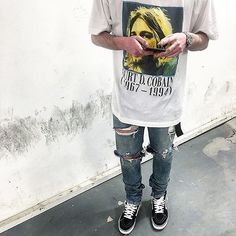 Rp : @benhenry7 with the Kurt tribute tee, Fear Of God denim and sk8 hi's #KurtCobain #FearOfGod #Vans