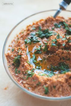muhammara capsicum and nut paste can use walnuts or sunflowers. Dip Recipes, Healthy Recipes, Healthy Food, Palak Paneer, Pesto, Curry, Hummus, Favorite Recipes, Yummy Food